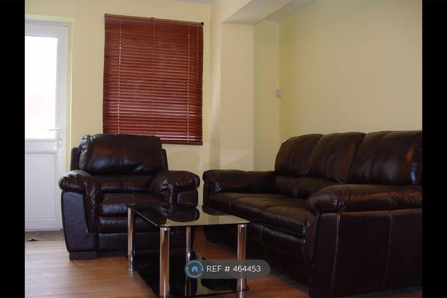 Thumbnail Semi-detached house to rent in Mead Close, Slough