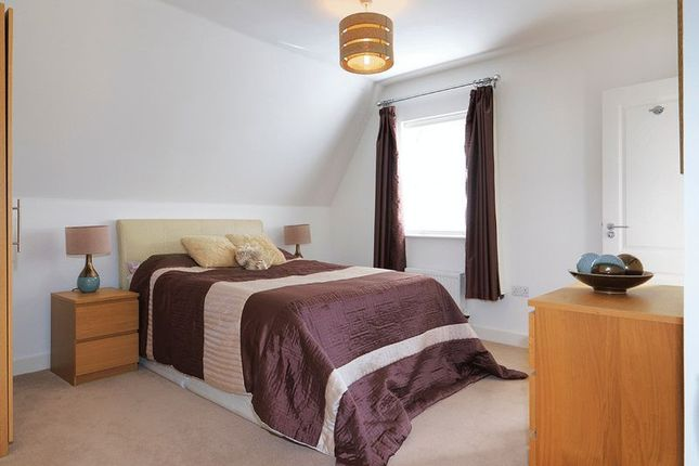 Bedroom of Westmount Close, Worcester Park KT4