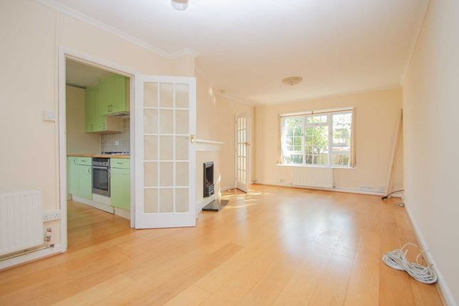 Photo3 of The Roundway, Claygate, Esher KT10
