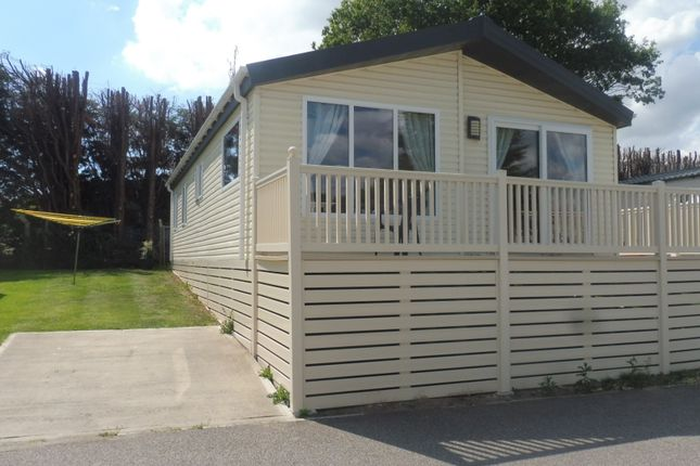 Thumbnail Lodge for sale in Valley Road, Clacton-On-Sea
