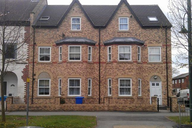Thumbnail Block of flats for sale in Boulevard, Hull