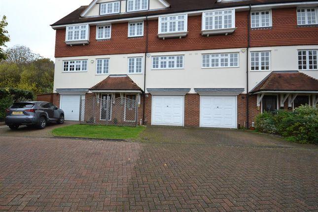 Thumbnail Mews house to rent in Yew Walk, Harrow-On-The-Hill, Harrow