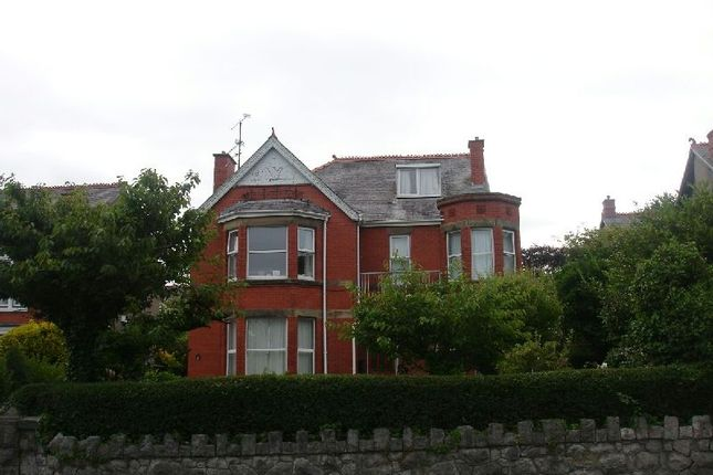 Thumbnail Flat to rent in Kings Road, West End, Colwyn Bay