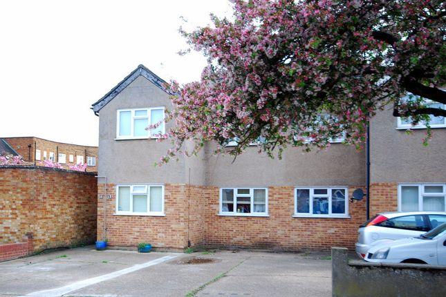 Thumbnail Maisonette to rent in Upminster, Essex