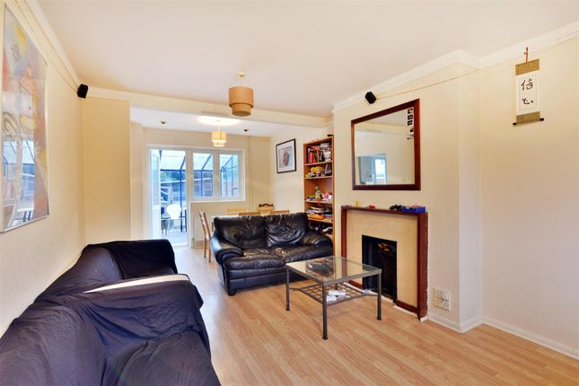 Thumbnail Property for sale in Broadhurst Close, London