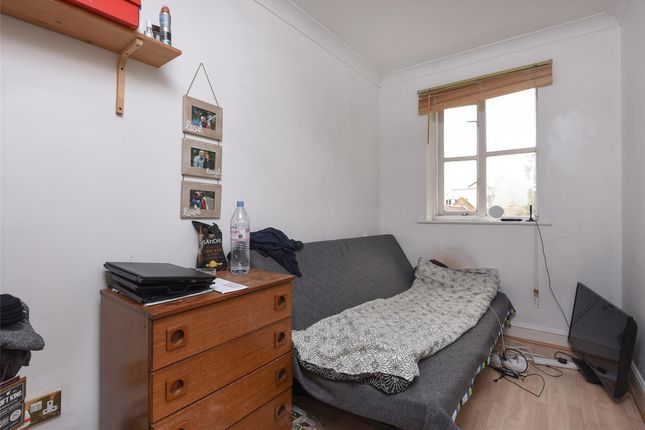 Bedroom of William Dyce Mews, London SW16