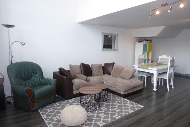 Bedroom Flat To Rent In Swansea City Centre