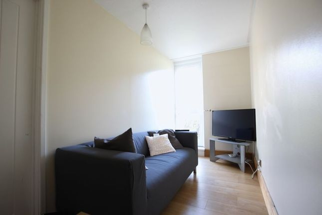 Thumbnail Property to rent in Lockwood Square, London