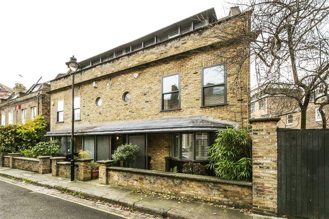 Thumbnail Mews house to rent in Charlton Kings Road, Kentish Town Road, London