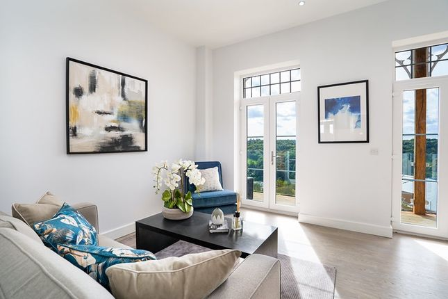 Flat for sale in Westview Road, Warlingham