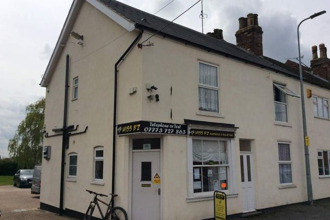 Thumbnail Restaurant/cafe for sale in Victoria Road, Barnetby