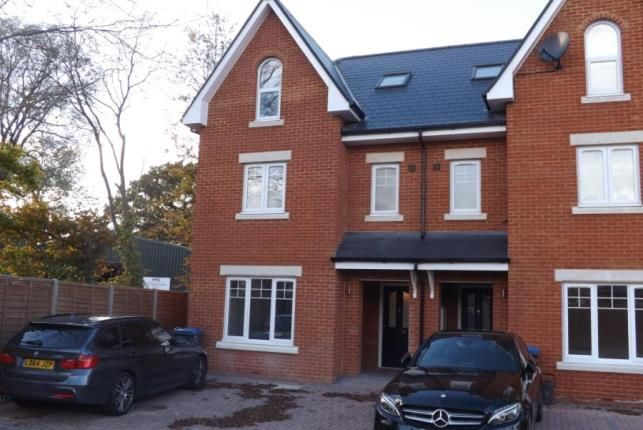 Thumbnail Semi-detached house for sale in Leatherhead Road, Chessington
