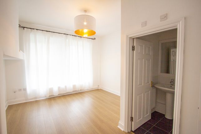 Bedroom of Queens Gate, Lipson, Plymouth PL4