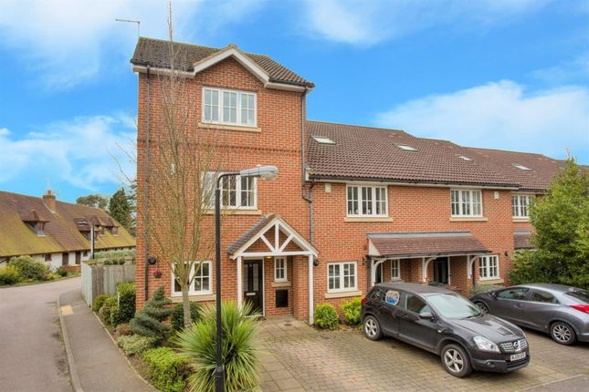 Thumbnail Property to rent in Lavender Crescent, St.Albans
