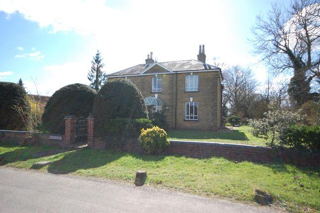Thumbnail Detached house for sale in Silver Street, Goffs Oak, Waltham Cross