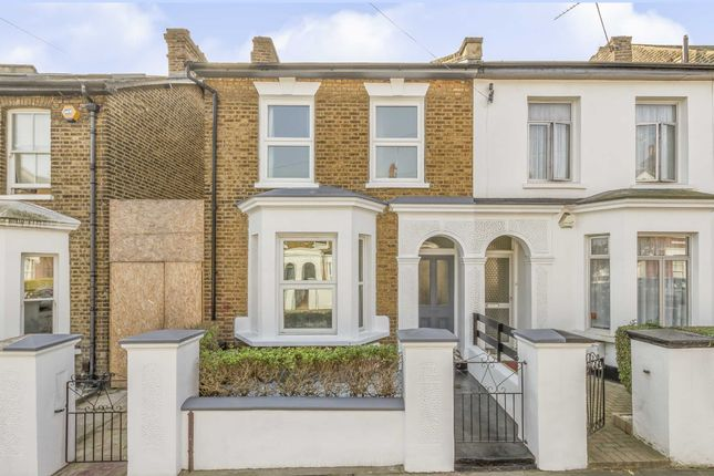 Thumbnail Property to rent in Chaucer Road, London