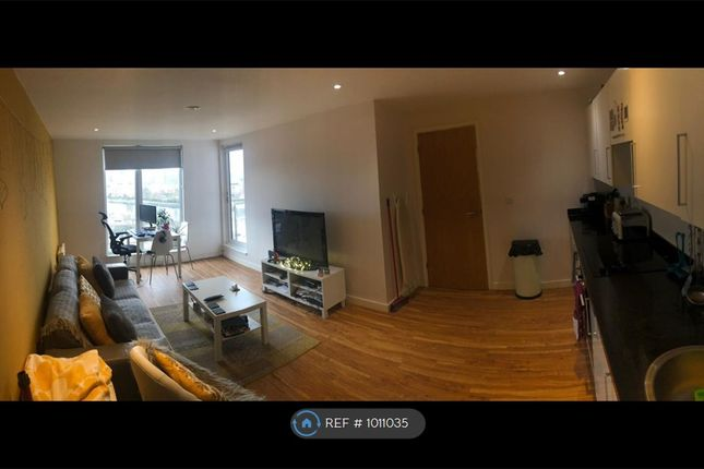 2 bed flat to rent in The Exchange, Salford M5