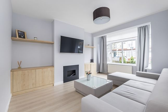 Thumbnail Property to rent in Abbott Avenue, London
