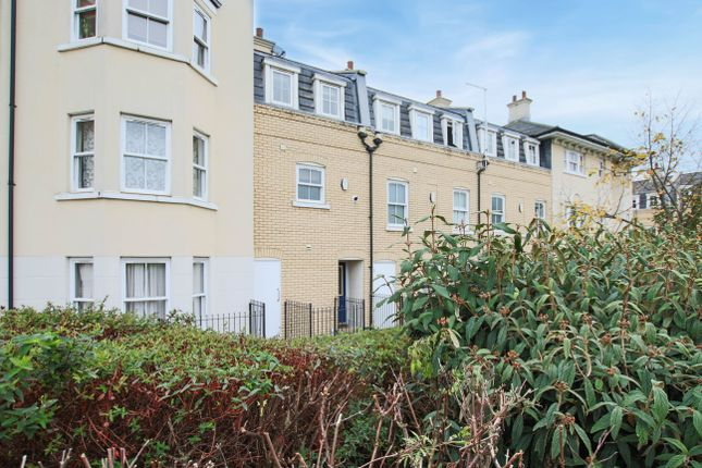 Thumbnail Town house for sale in St. Matthews Gardens, Cambridge