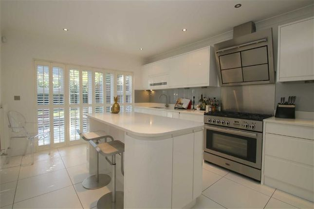 Thumbnail End terrace house for sale in Osborne Heights, Brentwood, Essex