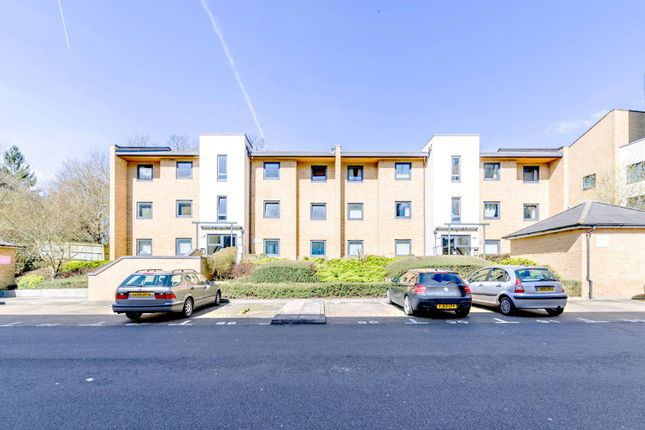 Thumbnail Flat for sale in Victoria Way, Woking