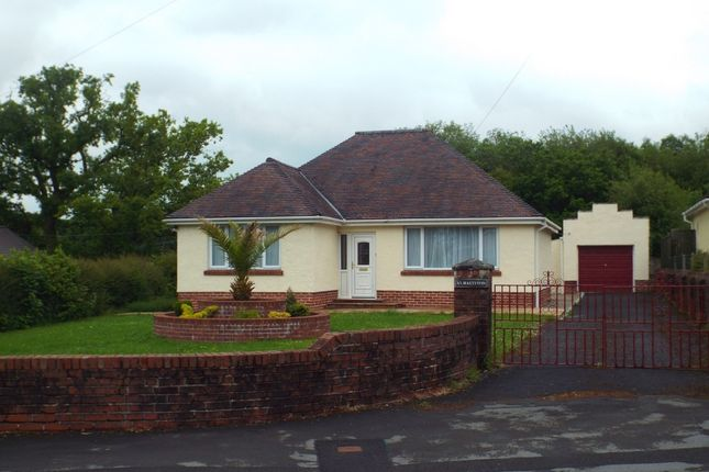 2 bed detached bungalow for sale in Gwendraeth Road, Tumble, Llanelli