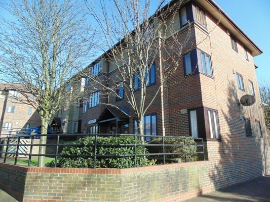 Thumbnail Flat for sale in Maroons Way, London