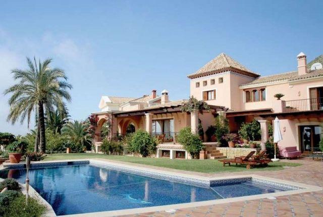 6 bed villa for sale in Spain, Málaga, Marbella, Sierra Blanca