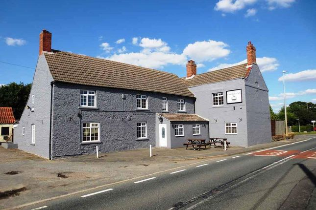 Thumbnail Pub/bar for sale in High Street, Glentham, Market Rasen