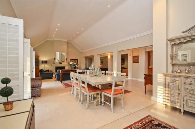 Picture No. 03 of 30 Kalden Drive, La Sandra, Somerset West, Western Cape, 7130