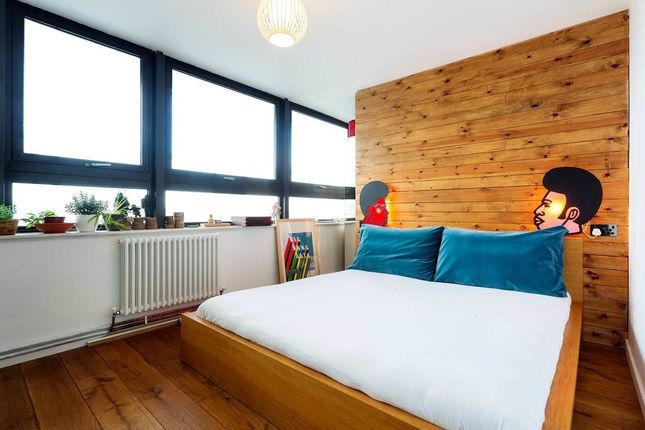 Thumbnail Flat to rent in Cambridge Heath Road, London