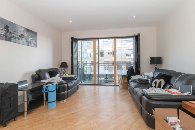 Thumbnail Flat to rent in Canal Wharf, Waterfront Walk