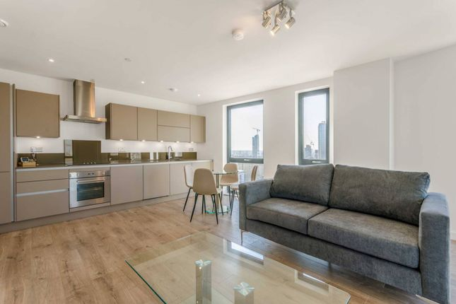 Thumbnail Flat to rent in Roosevelt Tower, Canary Wharf