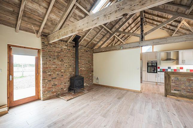 Thumbnail Barn conversion to rent in Asheridge, Chesham