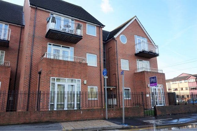 Thumbnail Flat for sale in Brook Chase Mews, Chilwell