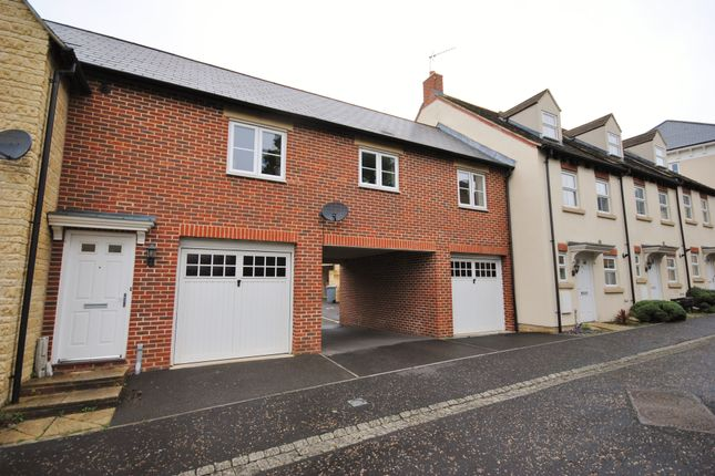 Thumbnail Flat to rent in Collier Crescent, Witney