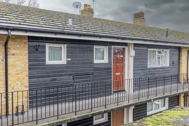 2 bed flat for sale in Penfold Close, Loose, Maidstone ME15
