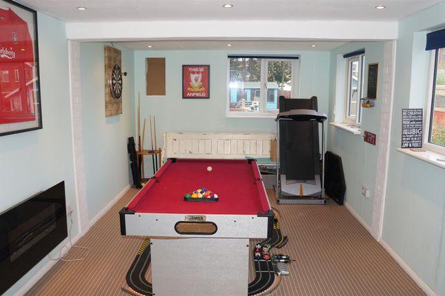 Garage (Games Room)