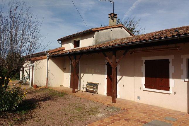 Properties for sale in lizant civray montmorillon for Garage ad civray