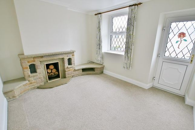Lounge of Holmley Lane, Coal Aston, Dronfield, Derbyshire S18