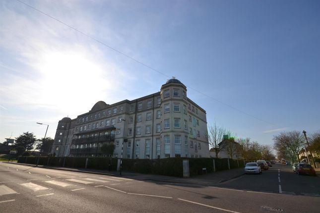 Thumbnail Flat for sale in Marine Parade West, Clacton-On-Sea