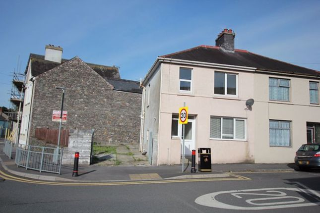 3 bed end terrace house to rent in Parcmaen Street, Carmarthen SA31