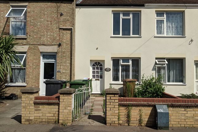 Thumbnail Terraced house to rent in Lincoln Road, Peterborough
