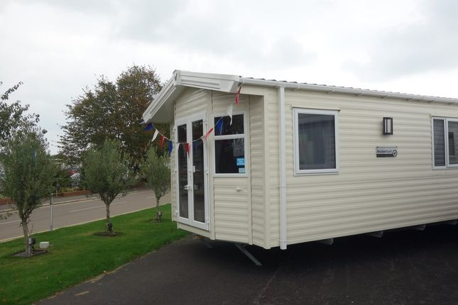 2 bed mobile/park home for sale in Coast Road, Corton, Lowestoft