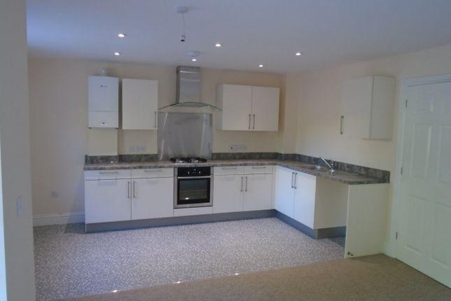 Thumbnail Flat to rent in Middleton Road, Salisbury
