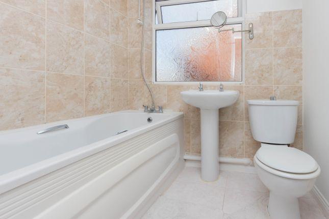 Bathroom of The Dale, Wellingborough NN8