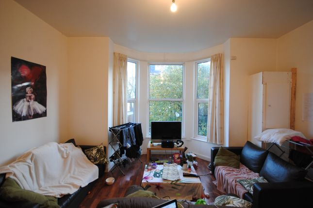 Thumbnail Terraced house to rent in 39 Regent Park Terrace, Hyde Park