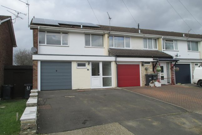3 bed end terrace house to rent in Kennedy Close, Purbrook, Waterlooville PO7