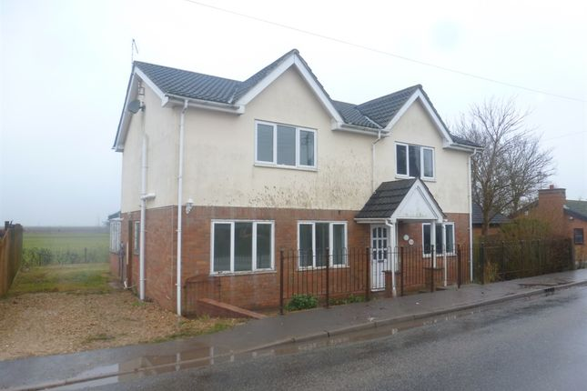 Thumbnail Detached house for sale in Six House Bank, West Pinchbeck, Spalding