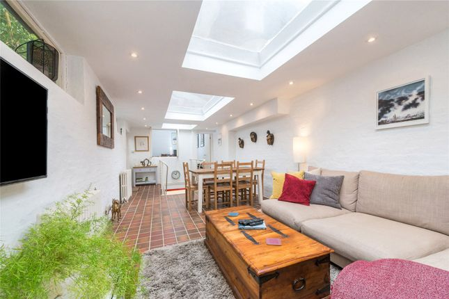 Thumbnail Mews house for sale in Mortimer Road, Islington, London